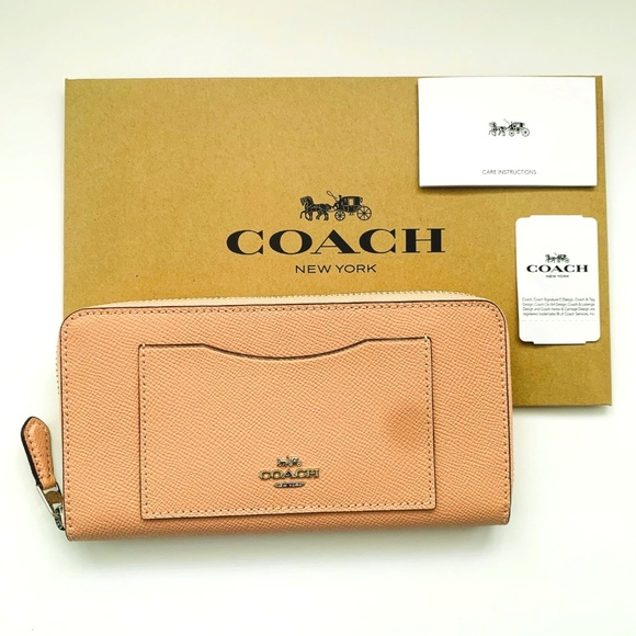 NWT Coach F54007 Accordion Crossgrain Leather Zip Around Wallet in Petal